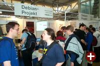 Am Debian-Stand herrschte zu jeder Zeit Gedränge