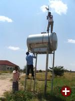 Aufstellung einer WLAN-Antenne in Somaliland