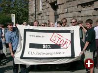 Demonstration gegen die Legalisierung von Softwarepatenten im Jahre 2003