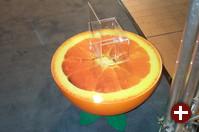 Der Orangen-Tisch von LT-ec, die unter dem Motto Fruit of the Linux ihre Software-Lösungen man.go, li.me und gra.pe anbieten.