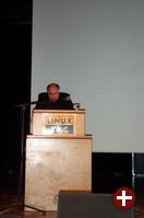 Der Parlamentarische Staatssekretär Rezzo Schlauch eröffnet das freie Vortragsprogramm.