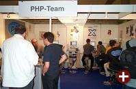 Der PHP-Stand stellt verschiedene Projekte vor, die mit PHP entwickelt wurden. Sehr interessant ist beispielsweise phpGroupWare. Auch Rasmus Lerdorf wurde gesichtet