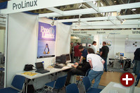 Der Pro-Linux-Stand von der anderen Seite. Nach allen Seiten offen, sozusagen...