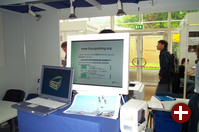 Der Stand von linuxprinting.org beantwortet alle Fragen zum Drucken mit Linux und zeigt Fotodruck in hervorragender Qualität