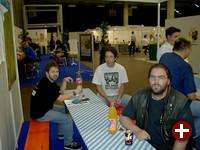 Für die Linux User Groups (LUGs) gab es einen eigenen Stand zum persönlichen Treffen und Gedankenaustausch. Vielen Dank an Stromi, der auch für den Stand verantwortlich war, für das Bild