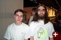 LH (der uns am Stand die ganze Zeit tatkräftig unterstützte, vielen Dank, LH!) und Wolfgang vom Pro-Linux-Team