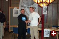 Mit viel Brimborium angekündigt: Die Kooperation zwischen Wikipedia (Jimbo Wales, links) und KDE (Matthias Ettrich, rechts)