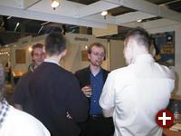 Pro-Linux im Gespräch mit Oliver (LinuxTag) (v.l.n.r.) Stephan, HJB, Oliver, Demon