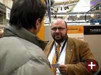 Pro-Linux in einem Gespräch mit einem TurboLinux-Mitarbeiter