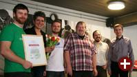 Verleihung des Awards: Torsten Grote (FSFE), Ines Pohl (TAZ), Erik Albers (FSFE), Ralf Klever (TAZ-EDV), Frank Doepper (TAZ-EDV), Stephan Uhlmann (FFII)