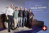 Vertreter der fünf Finalisten des Mozilla »Equal Rating Innovation«-Wettbewerbs