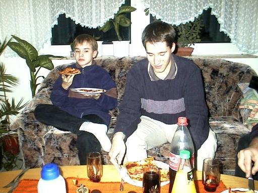Linuxer können mit Messer und Gabel essen (RvB, Stephan)