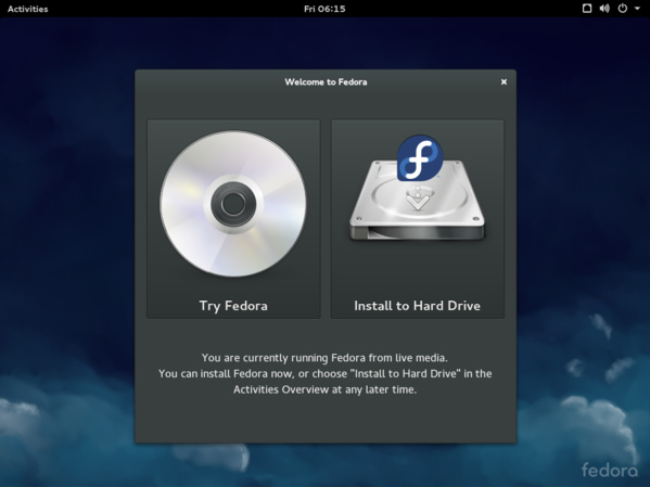 Willkommensbildschirm der Live-DVD von Fedora 21